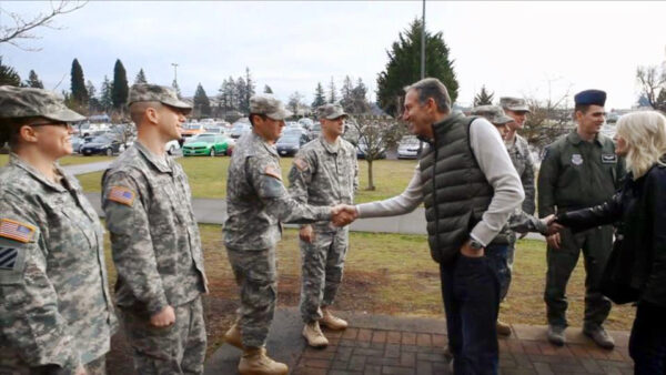 Howard Schultz meeting with soldiers on a visit to Joint Base Lewis-McChord in Lakewood, Wash.